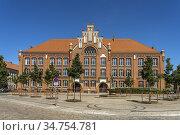 Jahn-Schule in Wittenberge, Brandenburg, Deutschland   Jahn School... Стоковое фото, фотограф Peter Schickert / age Fotostock / Фотобанк Лори