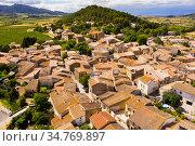 View from drone of french commune Fontcouverte. Стоковое фото, фотограф Яков Филимонов / Фотобанк Лори
