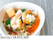 Seafood Thai suki Sukiyaki - Stirred vermicelli in spicy soybean paste... Стоковое фото, фотограф Zoonar.com/Vichie81 / easy Fotostock / Фотобанк Лори