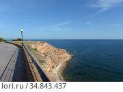 Прогулочная дорога на побережье Коста Бланка в Ориуэле. Испания (2018 год). Стоковое фото, фотограф Free Wind / Фотобанк Лори