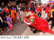 Chinese New Year Festival Capgomeh celebration, kuching, sarawak, ... (2017 год). Редакционное фото, фотограф Chew Chun Hian / age Fotostock / Фотобанк Лори
