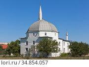 """Мечеть """"Янъы Джами"""" в курортном городе Саки, Крым (2020 год). Стоковое фото, фотограф Николай Мухорин / Фотобанк Лори"""