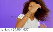 Female model posing for a photoshoot at photo studio 4k. Стоковое видео, агентство Wavebreak Media / Фотобанк Лори