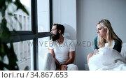 Couple interacting in bedroom 4k. Стоковое видео, агентство Wavebreak Media / Фотобанк Лори
