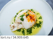 Fried sepia with green sauce of olive oil with garlic and parsley. Стоковое фото, фотограф Яков Филимонов / Фотобанк Лори