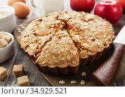 Oat cake with apple. Стоковое фото, фотограф Надежда Мишкова / Фотобанк Лори