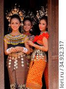 Iban traditional Costumes, kuching, sarawak (2015 год). Редакционное фото, фотограф Chew Chun Hian / age Fotostock / Фотобанк Лори