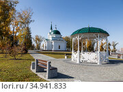 Barnaul, Upland park with the Church of St. John the Baptist at autumn day. Стоковое фото, фотограф Наталья Волкова / Фотобанк Лори