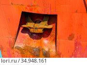 Closeup rusty anchor of a red ship. Стоковое фото, фотограф Константин Лабунский / Фотобанк Лори