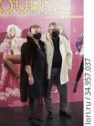 Elena Benarroch, Juan Gatti attends 'La Ultima Tourne' premiere at... Редакционное фото, фотограф Manuel Cedron / age Fotostock / Фотобанк Лори