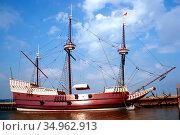 The ship Susan Constance located at Jametown Festival Park, Virginia. Стоковое фото, фотограф Dennis MacDonald / age Fotostock / Фотобанк Лори