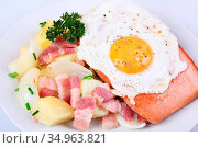 Fried egg,homemade,meat loaf. Стоковое фото, фотограф Andre Bonn / easy Fotostock / Фотобанк Лори