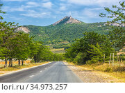 Summer landscape of highway in mountainous area. Стоковое фото, фотограф Юрий Бизгаймер / Фотобанк Лори