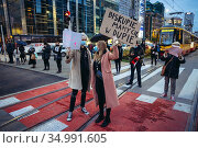 Warsaw, Poland - October 26, 2020: Thousands of people blocked ONZ... Редакционное фото, фотограф Konrad Zelazowski / age Fotostock / Фотобанк Лори