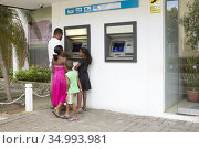 Cash machine, ATM in Victoria on Mahé island, Seychelles. (2010 год). Редакционное фото, фотограф Andre Maslennikov / age Fotostock / Фотобанк Лори
