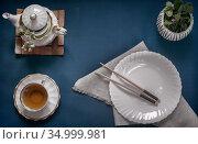 Empty white plate, chopsticks and herbal tea. Стоковое фото, фотограф Galina Tolochko / Фотобанк Лори
