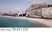 Aerial view of coastline and Santa Barbara castle in Alicante, Spain (2019 год). Редакционное видео, видеограф Яков Филимонов / Фотобанк Лори