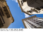 Worn buildings in Havana. Стоковое фото, фотограф Andre Maslennikov / age Fotostock / Фотобанк Лори