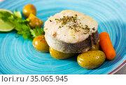 Pollock steak with vegetables. Стоковое фото, фотограф Яков Филимонов / Фотобанк Лори