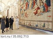 Queen Letizia of Spain attends opening of the exhibition 'Rafael ... Редакционное фото, фотограф Manuel Cedron / age Fotostock / Фотобанк Лори