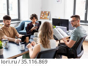 business team or startuppers working at office. Стоковое фото, фотограф Syda Productions / Фотобанк Лори