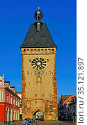 Stadttor, Altpörtel. Стоковое фото, фотограф Bernd J. W. Fiedler / age Fotostock / Фотобанк Лори