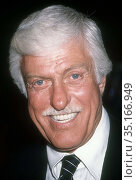 Dick Van Dyke 1990.Photo By Adam Scull/PHOTOlink.net.. Редакционное фото, фотограф Adam Scull / age Fotostock / Фотобанк Лори