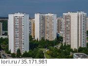 Москва, Митино, многоэтажные дома серии КОПЭ в Ангеловом переулке (2020 год). Редакционное фото, фотограф glokaya_kuzdra / Фотобанк Лори