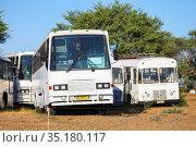 Old coach buses (2020 год). Редакционное фото, фотограф Art Konovalov / Фотобанк Лори