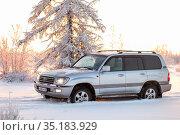 Toyota Land Cruiser 100. Редакционное фото, фотограф Art Konovalov / Фотобанк Лори