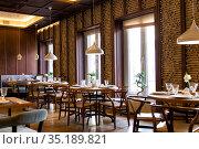 Interior of the Chinese restaurant (2019 год). Редакционное фото, фотограф Евгений Ткачёв / Фотобанк Лори