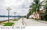 Waterfront street.  Flores, Peten, Guatemal. Редакционное фото, фотограф Николай Коржов / Фотобанк Лори