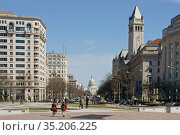 Pennsylvania Avenue Northwest  and United States Capitol. Вашингтон, США (2019 год). Редакционное фото, фотограф Валерия Попова / Фотобанк Лори