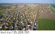 Aerial view of the cottages in spring. Стоковое фото, фотограф Арестов Андрей Павлович / Фотобанк Лори