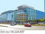 """Торгово-развлекательный комплекс """"Казахстан"""", ESENTAI mall в Алма-Ате (2018 год). Редакционное фото, фотограф Михаил Старшов / Фотобанк Лори"""