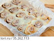 Cinnamon rolls. High quality photo. Стоковое фото, фотограф Яков Филимонов / Фотобанк Лори
