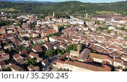 Panoramic aerial view of Pamiers cityscape with buildings, located on the river Ariege, France. Стоковое видео, видеограф Яков Филимонов / Фотобанк Лори