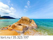 Asia kho tao bay isle white beach rocks in thailand and south china... Стоковое фото, фотограф Zoonar.com/LKPRO / easy Fotostock / Фотобанк Лори
