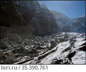 NEPAL Trakarding Glacier -- 16 Apr 2005 -- Aerial view of moraine... Редакционное фото, фотограф Jonathan William Mitchell / age Fotostock / Фотобанк Лори