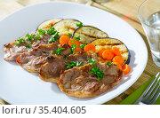 Mutton chops served with grilled vegetables. Стоковое фото, фотограф Яков Филимонов / Фотобанк Лори