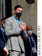 Football player Zlatan Ibrahimovic leaves the Casino' Palace in Sanremo... Редакционное фото, фотограф Maria Laura Antonelli / AGF/Maria Laura Antonelli / age Fotostock / Фотобанк Лори