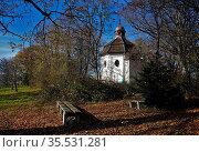 Josefskapelle auf dem Eichberg bei Geislingen-Erlaheim, Baden-Württemberg... Стоковое фото, фотограф Zoonar.com/Jürgen Vogt / easy Fotostock / Фотобанк Лори