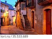 Street in th old town of Viana do Bolo, Orense, Spain. Стоковое фото, фотограф Pablo Méndez / age Fotostock / Фотобанк Лори
