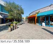 UTC Westfield Shopping Mall at University Town Centre.Outdoor shopping... Стоковое фото, фотограф Zoonar.com/Thomas De Wever / age Fotostock / Фотобанк Лори