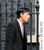 Rishi Sunak, Chancellor of the Exchequer, at  10 Downing Street for a cabinet meeting, about the COVID-19 Virus (2020 год). Редакционное фото, агентство World History Archive / Фотобанк Лори