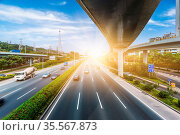 Traffic at shanghai china. blue toned image. Стоковое фото, фотограф Zoonar.com/yuanyuan xie / easy Fotostock / Фотобанк Лори