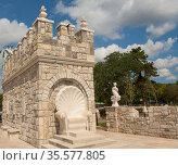 ST. CONSTANTINE AND HELENA, BULGARIA - SEPTEMBER 28, 2019: decorative castle-tower on the beach, building is used as caffe-bar. Редакционное фото, фотограф ИВА Афонская / Фотобанк Лори