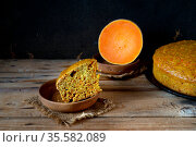 Home baked pumpkin pie piece on clay saucer. Стоковое фото, фотограф Короленко Елена / Фотобанк Лори
