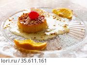 Caramel tocino de cielo with crushed nuts and fruits. Стоковое фото, фотограф Яков Филимонов / Фотобанк Лори