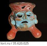 Pottery Tripod (Incense burner), Islas de Sacrificios, 900-1521 AD... Редакционное фото, агентство World History Archive / Фотобанк Лори